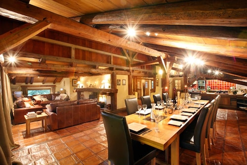 Chalet With 7 Bedrooms in Demi-quartier, With Wonderful Mountain View, Furnished Garden and Wifi - 100 m From the Slopes