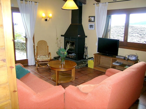 House With 4 Bedrooms in Turbiàs, With Wonderful Mountain View, Furnished Terrace and Wifi