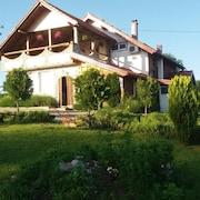 Apartment With 3 Bedrooms in Rakovica, With Wonderful Mountain View, Furnished Garden and Wifi - 17 km From the Slopes