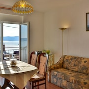 Apartment With one Room in Senj, With Wonderful sea View, Enclosed Garden and Wifi - 150 m From the Beach