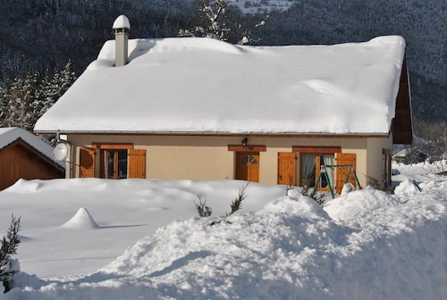 House With 4 Bedrooms in Mégevette, With Wonderful Mountain View, Enclosed Garden and Wifi - 4 km From the Slopes