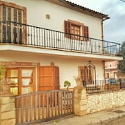 House With 3 Bedrooms in S'illot-cala Morlanda, With Furnished Terrace and Wifi - 600 m From the Beach