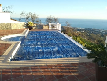 Villa With 3 Bedrooms in Sayalonga - Málaga, With Wonderful Mountain View, Private Pool and Furnished Terrace - 13 km From the Beach