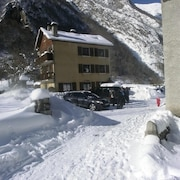 House With 5 Bedrooms in Cauterets, With Wonderful Mountain View, Furnished Garden and Wifi - 2 km From the Slopes