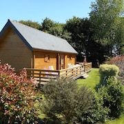 Wooden House in a Quiet Area With 2 Bedrooms in Coatreven, With Enclosed Garden and Wifi - 10 km From the Beach