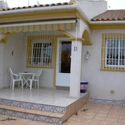 House With 2 Bedrooms in Torre de la Horadada, With Furnished Terrace