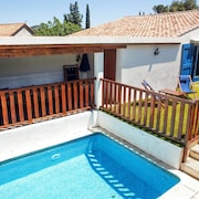4-bedroom, 20th-century Mediterranean House With a Pool and two Gardens 30 Minutes From the Sea!