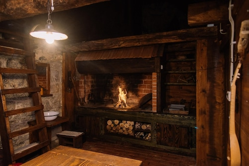 Chalet With 2 Bedrooms in Gospić, With Wonderful Mountain View, Furnished Garden and Wifi - 18 km From the Slopes