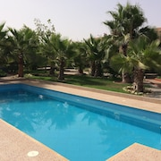 Villa 4 Bedrooms in Issen , With Private Pool, hot Tub, Hammam and Enclosed Garden Near the Beach!