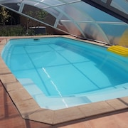 Apartment With 2 Rooms in Saint-cyr-sur-mer, With Pool Access, Furnished Terrace and Wifi - 350 m From the Beach