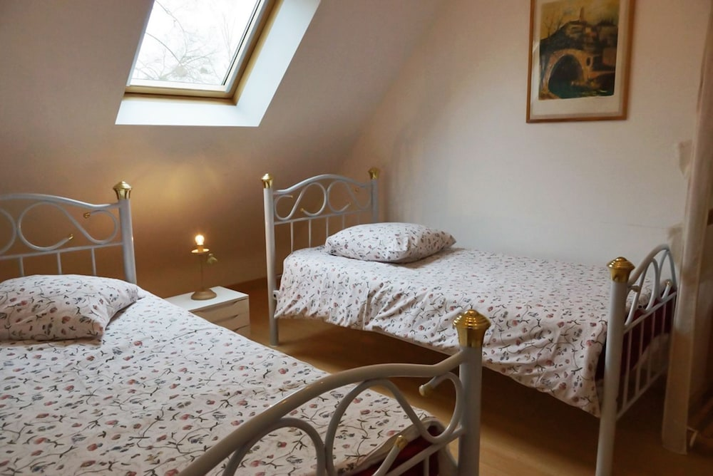 Quiet, 2-bedroom House in Dol-de-bretagne With a hot tub and ...