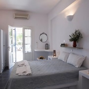 Apartment With 2 Rooms in Paros, With Wonderful sea View, Furnished Balcony and Wifi