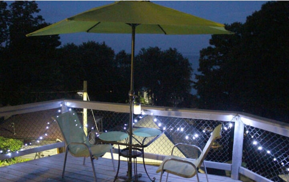 Terrace/Patio, Private Cottage Retreat Suite Overlooking Lake Erie With hot tub & Beach Access