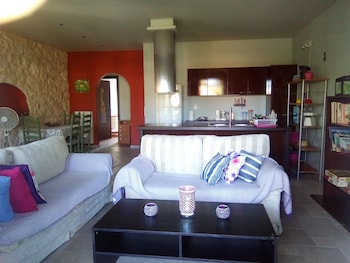 House With 3 Bedrooms in Kariotes, Lefkada, With Wonderful Mountain View, Enclosed Garden and Wifi - 250 m From the Beach