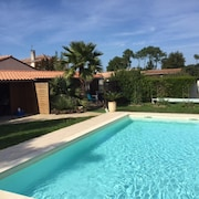 Bungalow With one Bedroom in Gujan-mestras, With Pool Access, Furnished Garden and Wifi - 1 km From the Beach