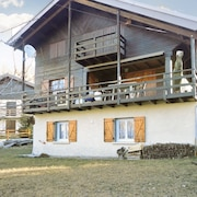Stylish Chalet in the Allos ski Resort , With Garden, Terrace, Wifi and Mountain Views