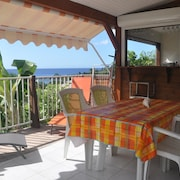 Beachy 2-bedroom Bungalow in Bouillante With Wifi and a Furnished Terrace 100m From the Beach!