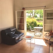 House With 2 Bedrooms in Gallargues-le-montueux, With Wonderful Mountain View, Pool Access, Furnished Garden - 15 km From the Beach