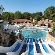 Bright Holiday Home in Camping Les Sables Dor, Agde, w/ Pool & Water-slide Access 700m From Beach