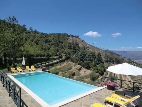 House With 2 Bedrooms in Torre de Moncorvo, With Wonderful Mountain View, Pool Access and Enclosed Garden