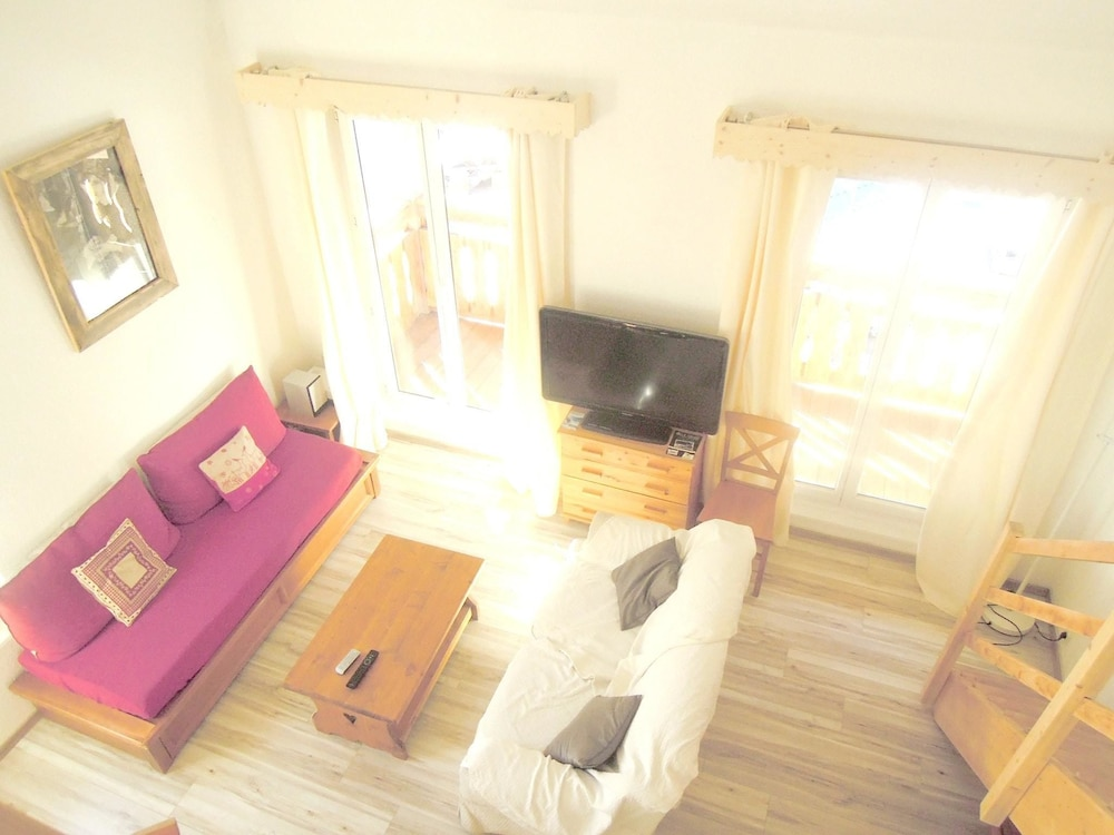 Apartment With 3 Bedrooms in Isola, With Wonderful Mountain View and