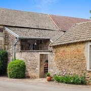 Traditional Village House in Burgundy With 2 Bedrooms and Sunny Garden