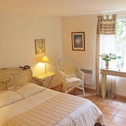 House With 2 Bedrooms in Saint Branchs, With Pool Access, Furnished Garden and Wifi