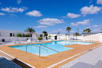 Sea-view Apartment in Lanzarote, Canary Islands, w/ Pool and Wifi 300m From Beach & Dining