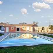 Villa With 5 Rooms in Saint-germain-d'esteuil, With Private Pool, Enclosed Garden and Wifi