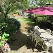 Bright House With 2 Rooms in Ploëzal in Britanny, With Enclosed Garden and 3 Canoës
