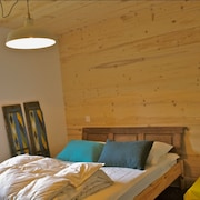 High Pasture Chalet With 4 Rooms in Beaufort, With Wonderful Panoramic View and Furnished Terrace - Sleeps 9!