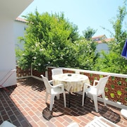 Apartment With 3 Bedrooms in Palit, With Wonderful City View, Enclosed Garden and Wifi - 550 m From the Beach
