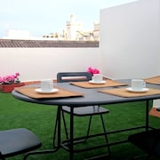 Central Apartment in Puerto de Santa Maria w/ air con & Terrace Next to Osborne Bodegas & Theatre