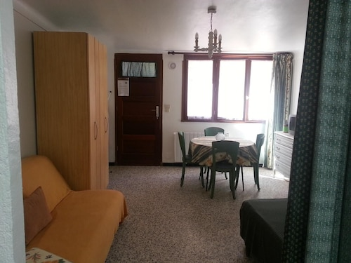 Studio in Banyuls-sur-mer, With Furnished Terrace and Wifi - 300 m From the Beach