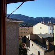Apartment With 3 Bedrooms in Montalbán, Teruel, With Wonderful Mountain View and Terrace