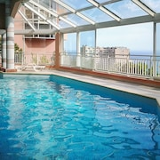 Stylish Sea-view Studio on the French Riviera With Balcony, Wifi, Pool & Sauna Near Monaco, Nice