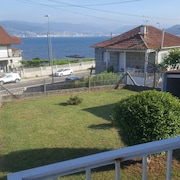 House With 3 Bedrooms in Pontevedra, With Wonderful sea View and Enclosed Garden - 50 m From the Beach