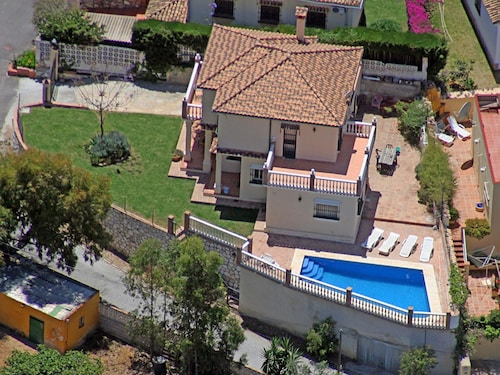 House With 4 Bedrooms in Fuengirola, With Private Pool, Furnished Terrace and Wifi - 500 m From the Beach