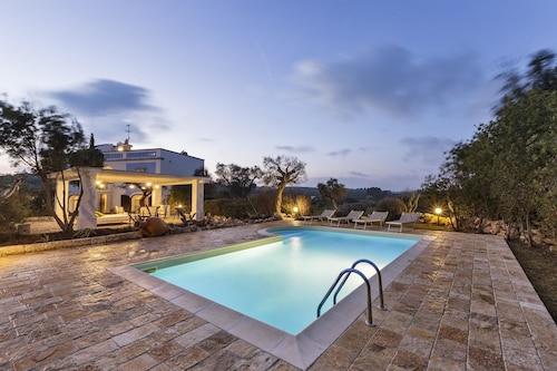 Villa With 5 Bedrooms in Ostuni, With Private Pool, Furnished Garden and Wifi - 15 km From the Beach