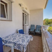 Apartment With 3 Bedrooms in Palit, With Enclosed Garden and Wifi - 550 m From the Beach