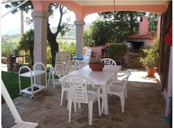 Apartment With 3 Bedrooms in Posada, With Wonderful sea View, Enclosed Garden and Wifi - 2 km From the Beach