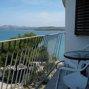 Studio in Betina, With Wonderful sea View, Furnished Garden and Wifi