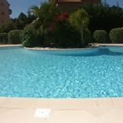 Apartment With one Bedroom in Carqueiranne, With Private Pool, Enclosed Garden and Wifi - 70 m From the Beach
