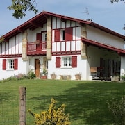 House With 5 Bedrooms in Ahetze, With Wonderful Mountain View, Private Pool, Enclosed Garden - 8 km From the Beach