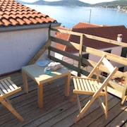 Apartment With one Bedroom in Betina, With Wonderful sea View, Furnished Terrace and Wifi - 60 m From the Beach