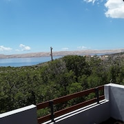 Apartment With 3 Bedrooms in Cesarica, With Wonderful sea View, Enclosed Garden and Wifi - 500 m From the Beach