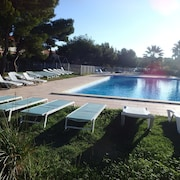 House With 2 Bedrooms in Martigues, With Pool Access, Enclosed Garden and Wifi - 800 m From the Beach