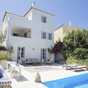 Villa With 5 Bedrooms in Spetses, With Wonderful sea View, Private Pool, Enclosed Garden - 900 m From the Beach