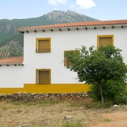 Spacious, 6-bedroom Cottage With Gorgeous Mountain Views in the Sierra de Segura Natural Park