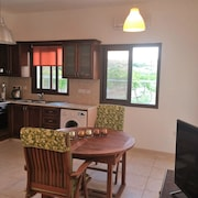 House With 2 Bedrooms in Pissouri, With Wonderful sea View, Furnished Garden and Wifi - 1 km From the Beach
